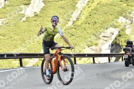 Photo #1750424   17-08-2021 09:40   Passo Dello Stelvio - Waterfall BICYCLE riders