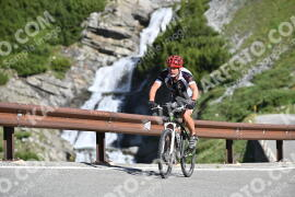 Photo #1029694 | 18-07-2020 09:30 | Passo Dello Stelvio - Waterfall BICYCLE riders
