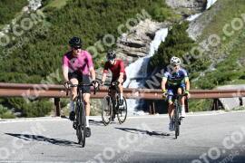 Photo #1492846 | 06-07-2021 09:22 | Passo Dello Stelvio - Waterfall BICYCLE riders