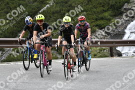 Photo #1549434   18-07-2021 10:39   Passo Dello Stelvio - Waterfall BICYCLE riders