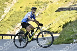 Photo #1615702   29-07-2021 09:30   Passo Dello Stelvio - Waterfall BICYCLE riders