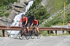 Photo #1585668 | 23-07-2021 09:46 | Passo Dello Stelvio - Waterfall BICYCLE riders