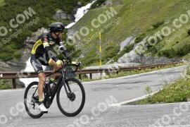 Photo #1648884 | 05-08-2021 09:45 | Passo Dello Stelvio - Waterfall BICYCLE riders
