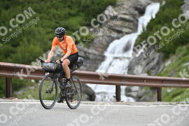 Photo #1015224 | 16-07-2020 10:19 | Passo Dello Stelvio - Waterfall BICYCLE riders