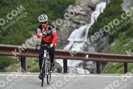 Photo #1075633 | 27-07-2020 09:27 | Passo Dello Stelvio - Waterfall BICYCLE riders