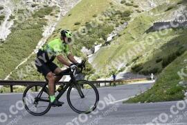Photo #1458161 | 03-07-2021 09:11 | Passo Dello Stelvio - Waterfall BICYCLE riders