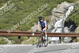 Photo #1328424 | 20-09-2020 09:59 | Passo Dello Stelvio - Waterfall BICYCLE riders