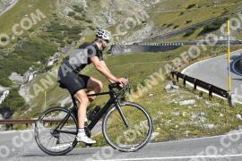 Photo #1922232   09-09-2021 10:11   Passo Dello Stelvio - Waterfall BICYCLE riders