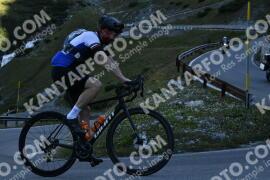 Photo #1241095   05-09-2020 09:11   Passo Dello Stelvio - Waterfall BICYCLE riders