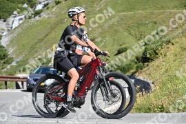 Photo #1212635   25-08-2020 10:19   Passo Dello Stelvio - Waterfall BICYCLE riders