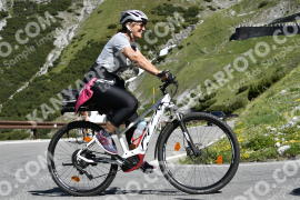 Photo #680371 | 05-07-2019 10:15 | Passo Dello Stelvio - Waterfall BICYCLE riders