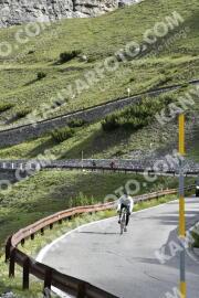 Photo #1482537   05-07-2021 09:19   Passo Dello Stelvio - Waterfall BICYCLE riders