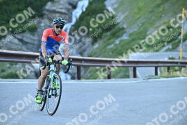 Photo #1078030 | 28-07-2020 09:02 | Passo Dello Stelvio - Waterfall BICYCLE riders