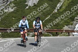 Photo #1146463 | 11-08-2020 10:02 | Passo Dello Stelvio - Waterfall BICYCLE riders