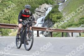 Photo #1046852 | 22-07-2020 09:25 | Passo Dello Stelvio - Waterfall BICYCLE riders