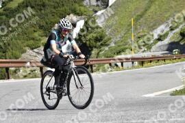 Photo #1535530   16-07-2021 09:39   Passo Dello Stelvio - Waterfall BICYCLE riders
