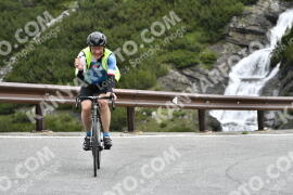 Photo #1533587 | 14-07-2021 09:37 | Passo Dello Stelvio - Waterfall BICYCLE riders