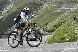 Photo #1594490   24-07-2021 09:19   Passo Dello Stelvio - Waterfall BICYCLE riders