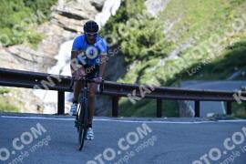 Photo #1050644 | 23-07-2020 09:15 | Passo Dello Stelvio - Waterfall BICYCLE riders