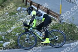 Photo #1241105   05-09-2020 09:13   Passo Dello Stelvio - Waterfall BICYCLE riders