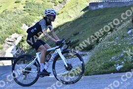 Photo #1653008   06-08-2021 09:19   Passo Dello Stelvio - Waterfall BICYCLE riders