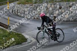 Photo #1669055 | 07-08-2021 08:52 | Passo Dello Stelvio - Waterfall BICYCLE riders
