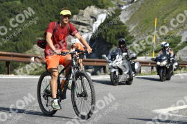 Photo #744726 | 25-07-2019 09:42 | Passo Dello Stelvio - Waterfall BICYCLE riders
