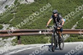 Photo #1691689   10-08-2021 09:44   Passo Dello Stelvio - Waterfall BICYCLE riders
