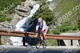 Photo #1003270 | 07-07-2020 09:19 | Passo Dello Stelvio - Waterfall BICYCLE riders