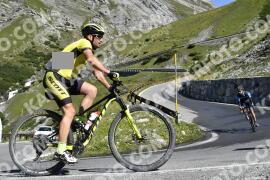 Photo #1709922 | 12-08-2021 10:30 | Passo Dello Stelvio - Waterfall BICYCLE riders