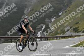 Photo #1916514 | 08-09-2021 10:05 | Passo Dello Stelvio - Waterfall BICYCLE riders