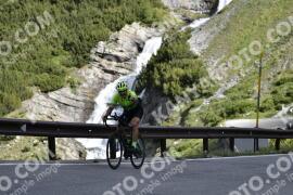 Photo #1458130 | 03-07-2021 09:08 | Passo Dello Stelvio - Waterfall BICYCLE riders