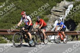 Photo #1835115 | 26-08-2021 10:17 | Passo Dello Stelvio - Waterfall BICYCLE riders