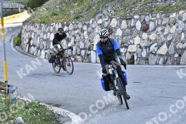 Photo #1615673   29-07-2021 09:28   Passo Dello Stelvio - Waterfall BICYCLE riders