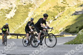 Photo #1478502 | 04-07-2021 09:09 | Passo Dello Stelvio - Waterfall BICYCLE riders