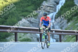 Photo #1078029 | 28-07-2020 09:02 | Passo Dello Stelvio - Waterfall BICYCLE riders