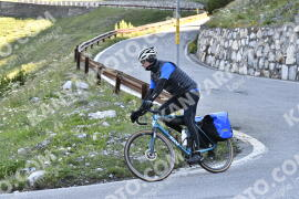 Photo #1615675   29-07-2021 09:28   Passo Dello Stelvio - Waterfall BICYCLE riders