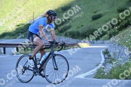 Photo #1050650 | 23-07-2020 09:15 | Passo Dello Stelvio - Waterfall BICYCLE riders