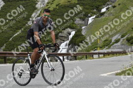 Photo #1018183 | 17-07-2020 10:09 | Passo Dello Stelvio - Waterfall BICYCLE riders