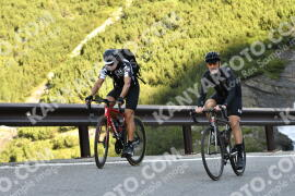 Photo #1669112 | 07-08-2021 09:09 | Passo Dello Stelvio - Waterfall BICYCLE riders