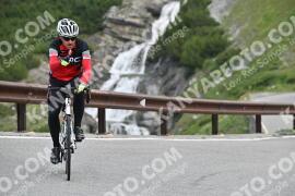 Photo #1075637 | 27-07-2020 09:27 | Passo Dello Stelvio - Waterfall BICYCLE riders
