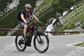 Photo #692311 | 07-07-2019 09:38 | Passo Dello Stelvio - Waterfall BICYCLE riders