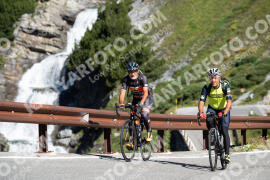 Photo #1112845 | 06-08-2020 09:55 | Passo Dello Stelvio - Waterfall BICYCLE riders