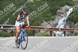 Photo #1075656 | 27-07-2020 09:38 | Passo Dello Stelvio - Waterfall BICYCLE riders