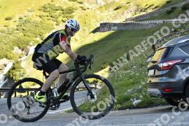 Photo #1653030   06-08-2021 09:24   Passo Dello Stelvio - Waterfall BICYCLE riders
