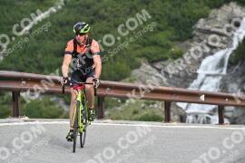 Photo #1075645 | 27-07-2020 09:38 | Passo Dello Stelvio - Waterfall BICYCLE riders