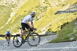 Photo #1787119 | 21-08-2021 09:33 | Passo Dello Stelvio - Waterfall BICYCLE riders