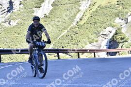 Photo #1490410 | 06-07-2021 09:17 | Passo Dello Stelvio - Waterfall BICYCLE riders