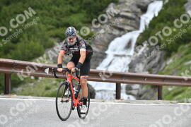 Photo #1015232 | 16-07-2020 10:20 | Passo Dello Stelvio - Waterfall BICYCLE riders