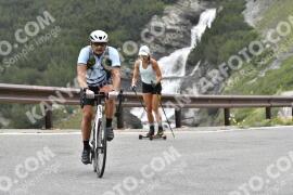 Photo #1594514   24-07-2021 09:19   Passo Dello Stelvio - Waterfall BICYCLE riders